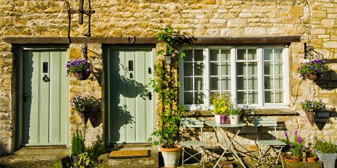 Decorare la casa con i rivestimenti esterni ville casali for Ville design esterni