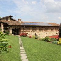 Indipendenza e risparmio: un casolare nel bergamasco si converte al fotovoltaico