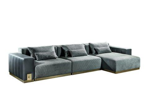 Vietri è il divano modulare con seduta, chaise longue, braccioli e schienale interamente rivestiti in tessuto (o pelle) e base in metallo. Tutti gli elementi che lo compongono sono completamente separabili