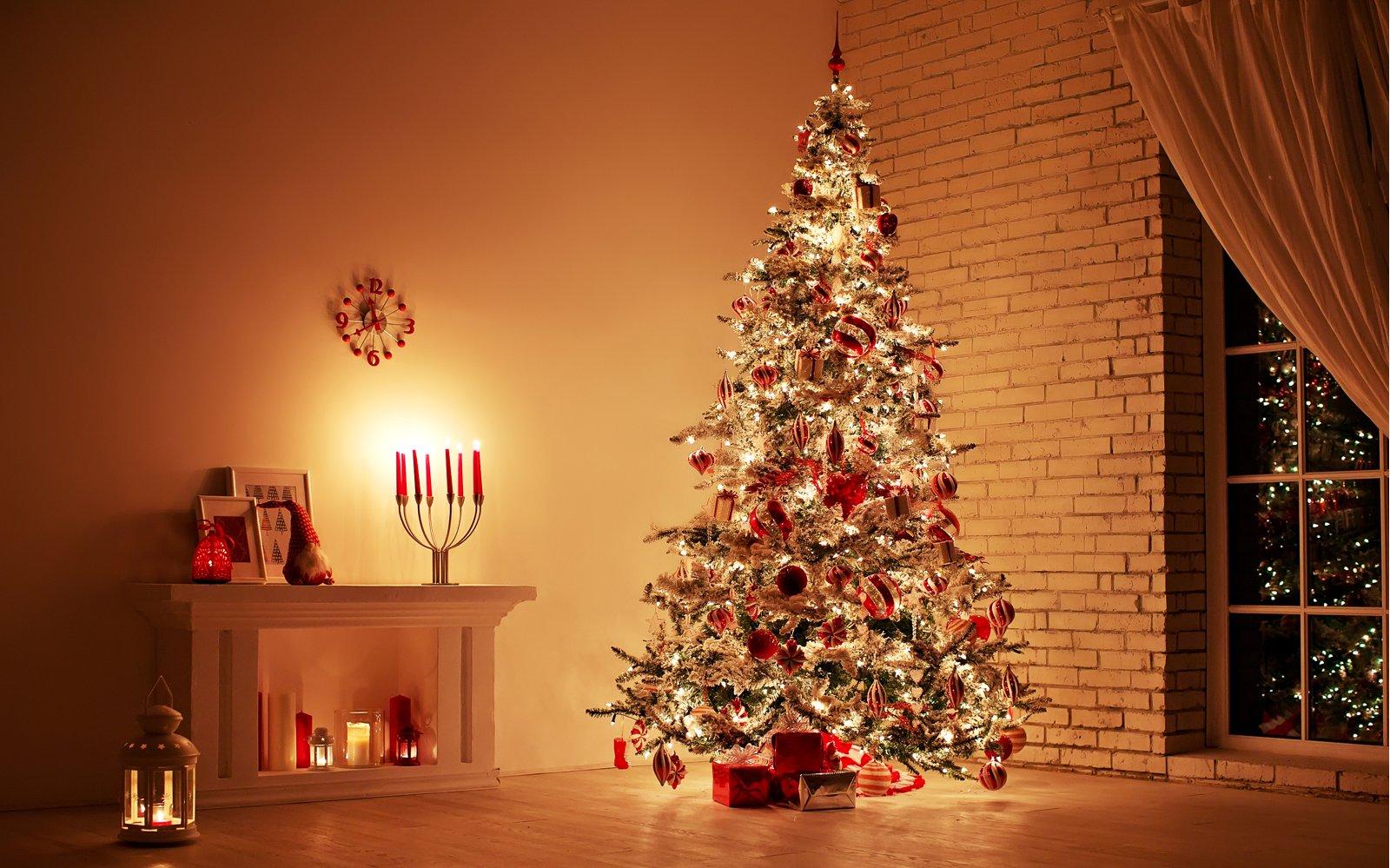 Addobbi Albero Natale.Giocare Con Stile Come Addobbare L Albero Di Natale Ville Casali