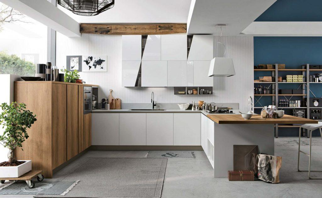 Stosacucine, legno massello nella cucina in condivisione