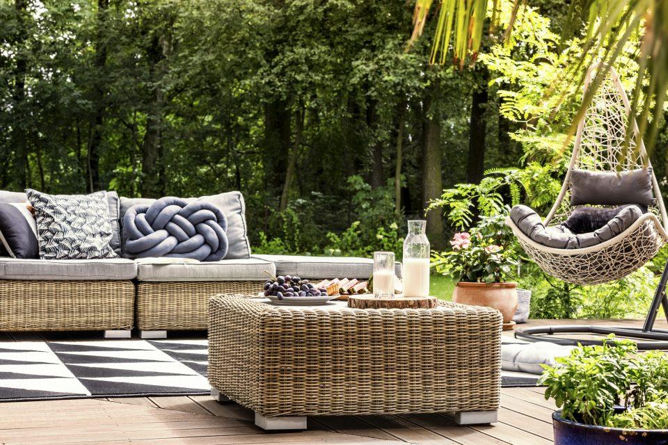 Cinque idee per arredare il tuo giardino ville casali for Arredare il giardino