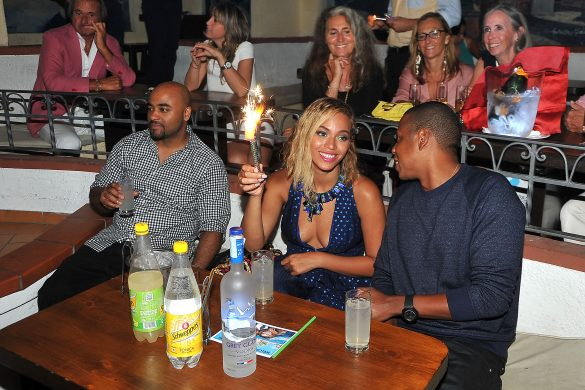 "07.09.2013 Capri-Italy: Beyonce and Jay z in a disco taverna ""Anema e Core"". EXCLUSIVE"