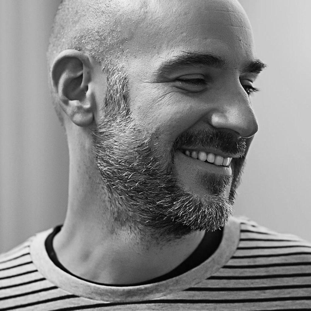 André Sentieiro, founder and creative director do DOGU
