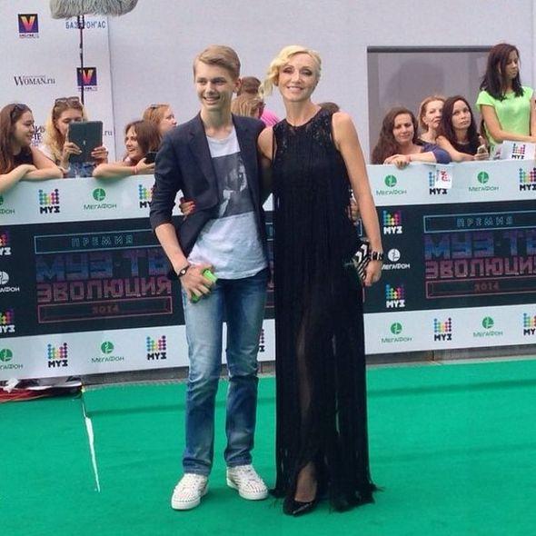 Кристина Орбакайте с сыном Дени на вручении премии МУЗ-ТВ