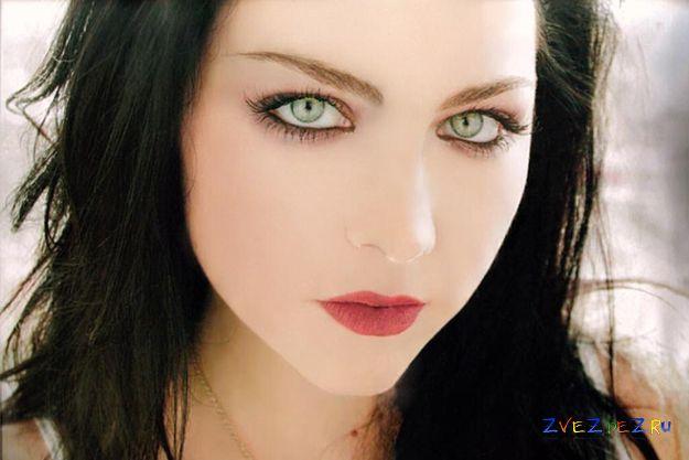 Солистка Evanescence родила первенца