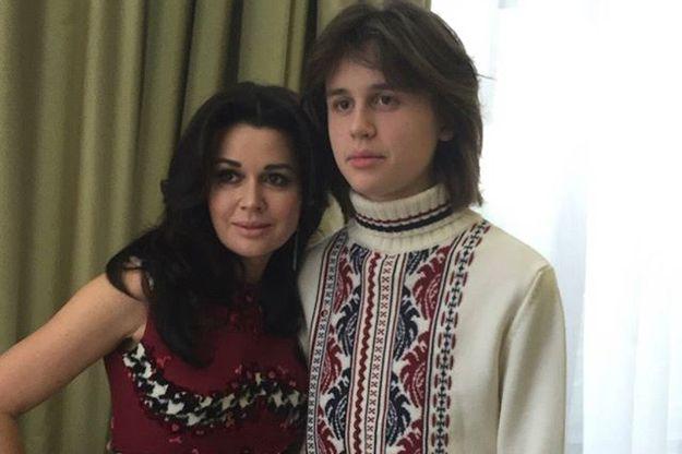 Анастасия Заворотнюк показала младшего сына