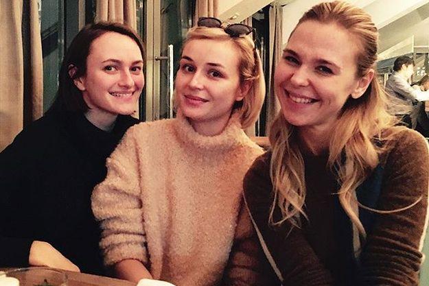 Полина Гагарина показала селфи с Пелагеей без макияжа