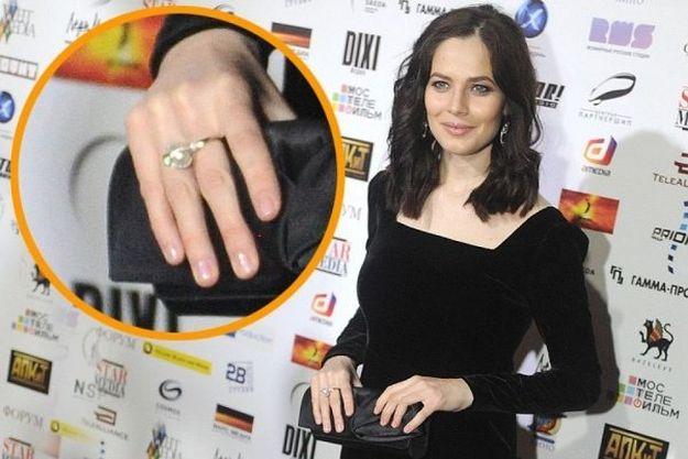 Юлия Снигирь засветила обручальное кольцо