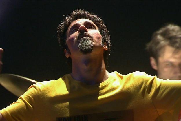 Никита Пресняков перевоплотился в фронтмена «System of a Down»