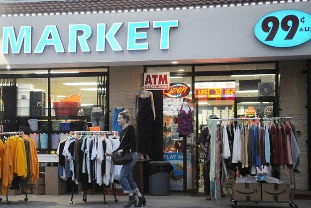 Эмбер Херд отоваривается в магазинах для бедных