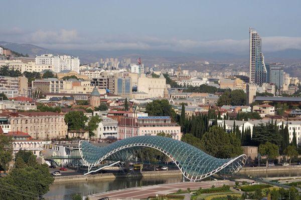 Как взять напрокат автомобиль в Тбилиси