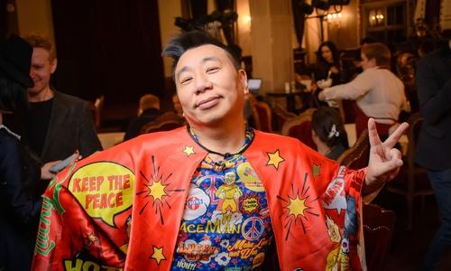 Блогера-миротворца Лаки Ли обвинили в укусе полицейского на фестивале «Таврида-АРТ»