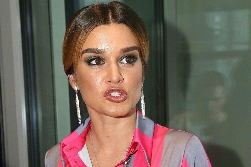 Бородина накинулась с оскорблениями на бьюти-блогера за негативный отзыв о ее салоне красоты