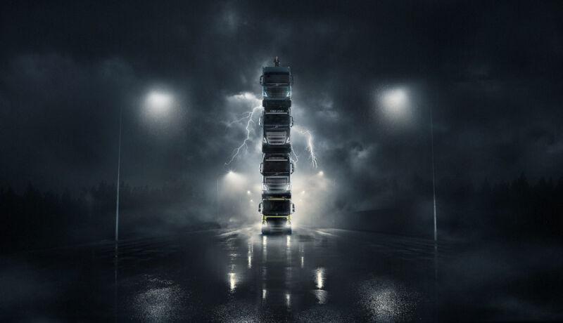 В виде башни выстроила 4 новых грузовика Volvo Trucks накануне европейской премьеры