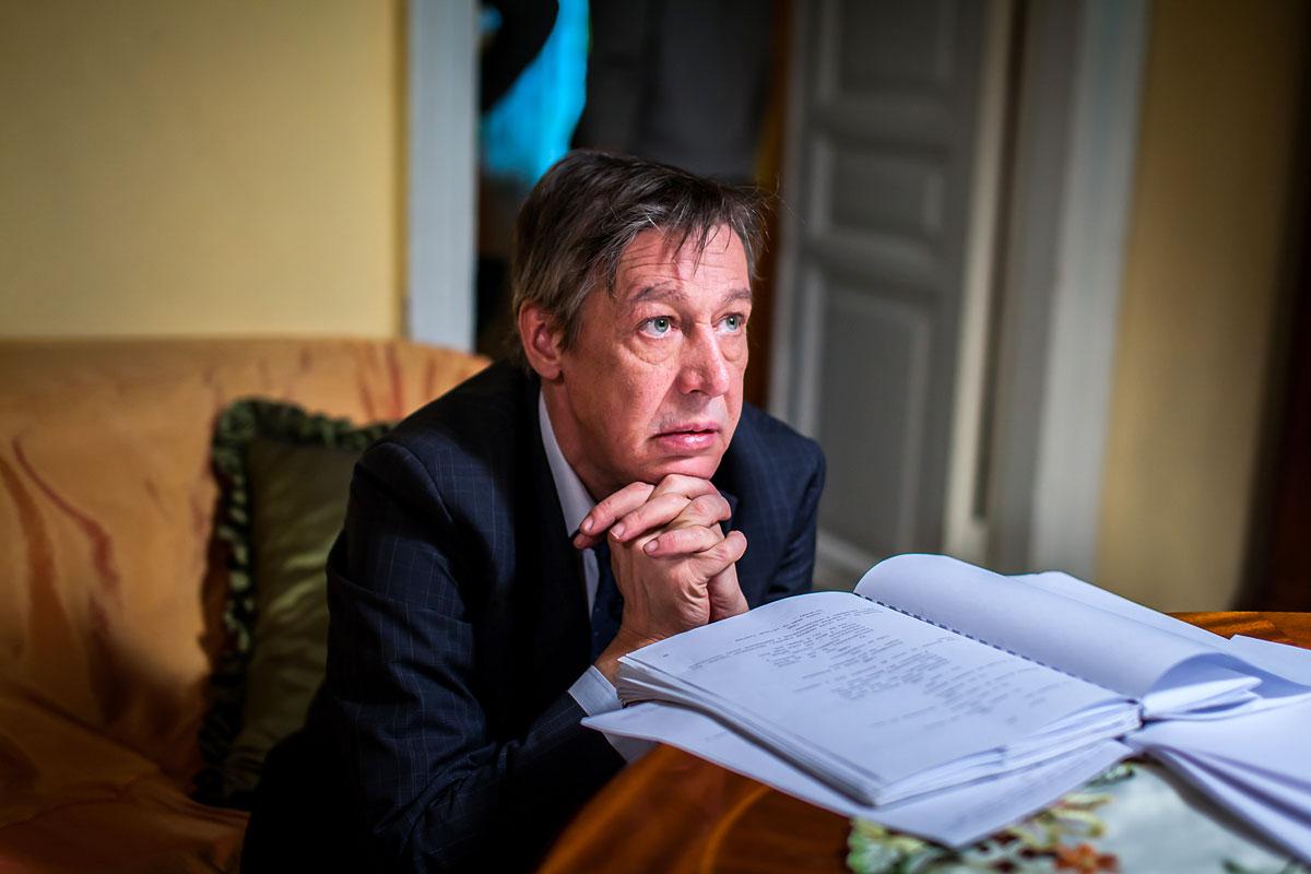 «Завтра Михаил узнает, какое шоу устроили родственники погибшего Захарова» – адвокат Ефремова