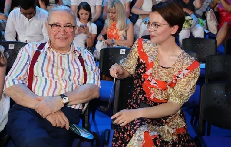 Евгений Петросян подал на коллегу заявление в прокуратуру из-за оскорблений в адрес супруги