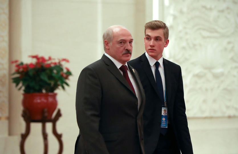 Пользователи сети спорят, кто является матерью «белорусского принца» Николая Лукашенко