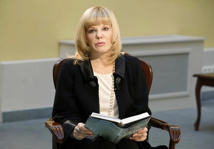 Худрук «Ленкома» обратился в прокуратуру из-за клеветы на «пьющую» Александру Захарову