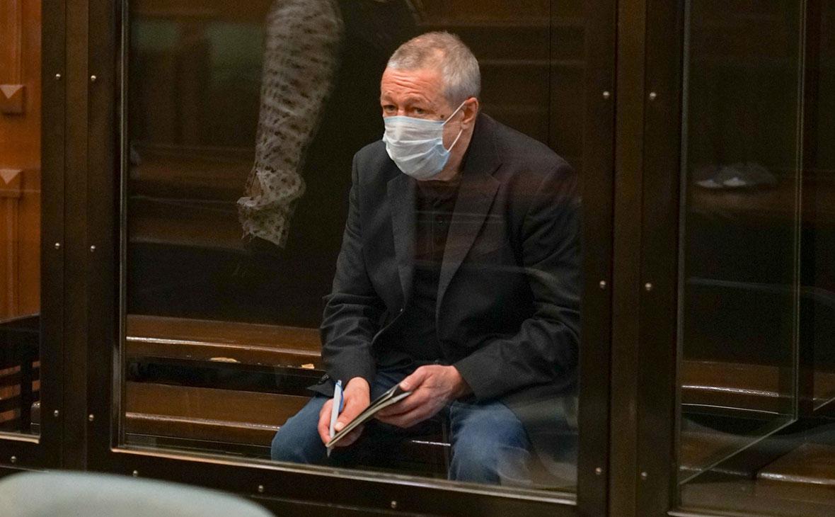 «Завязываю с алкоголем, посадившим меня в тюрьму»: Михаил Ефремов выступил в апелляции с последним словом