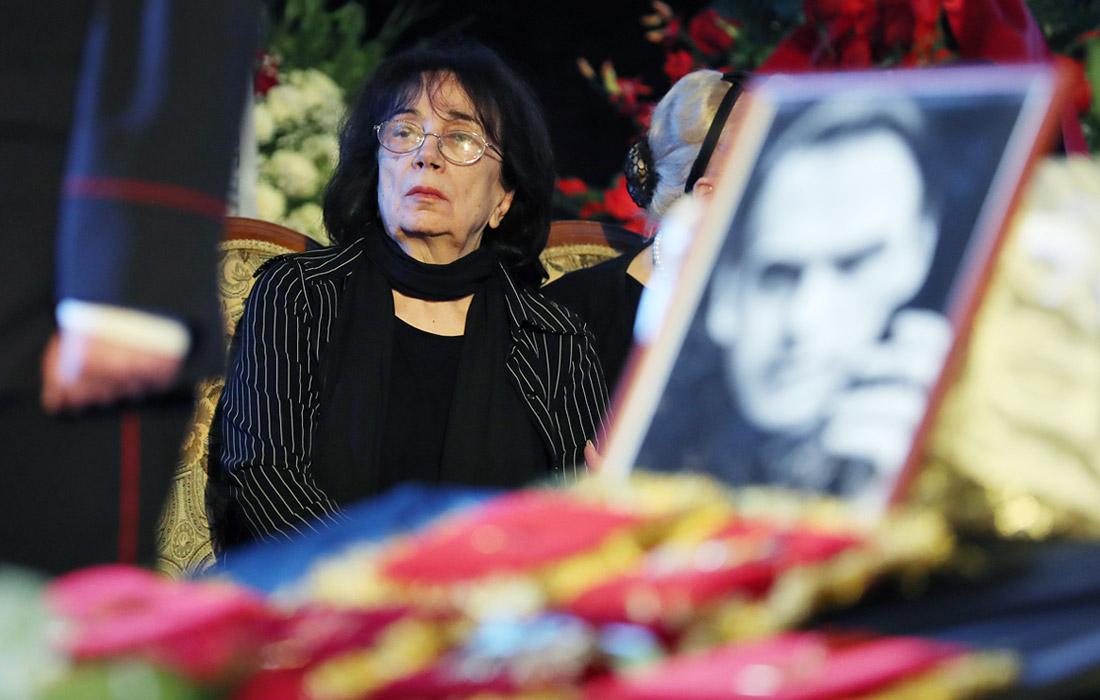 Вдова Баталова требует вернуть похищенные у нее 14 млн рублей